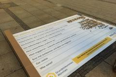 Endergebnis der Abstimmung auf der Bodenzeitung, 18.09.2015. Am Richard-Strauss-Brunnen in der Münchner Fußgängerzone
